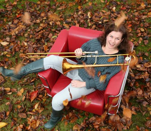 Mia i stol lille